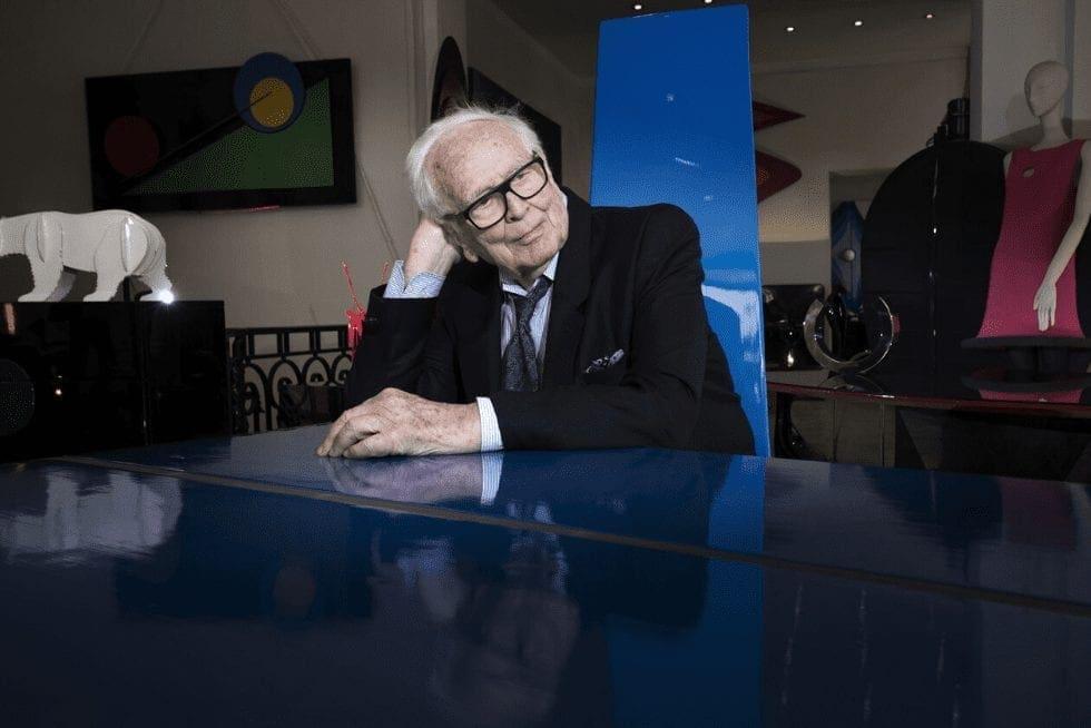 Aos 97 anos, Pierre Cardin é pioneiro na estética futurista da moda