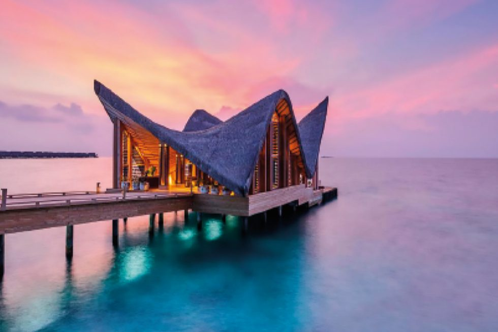 Um paraíso perdido em meio ao profundo azul do oceano índico